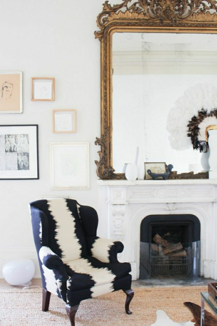 Barock-Sessel-schwarz-weiß-elegant-Kamin-vintage-Spiegel