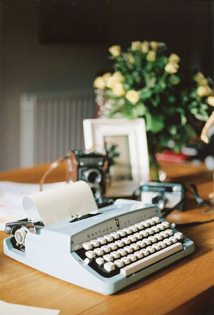 Brother-De-Luxe-vintage-Schreibmaschine