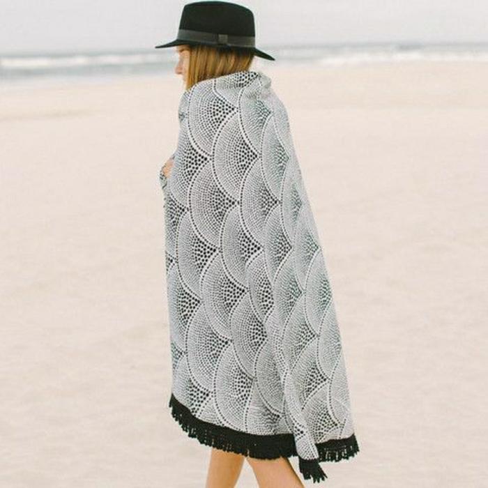 Designer-Tuch-Strand-graphisches-Muster-schwarz-weiß