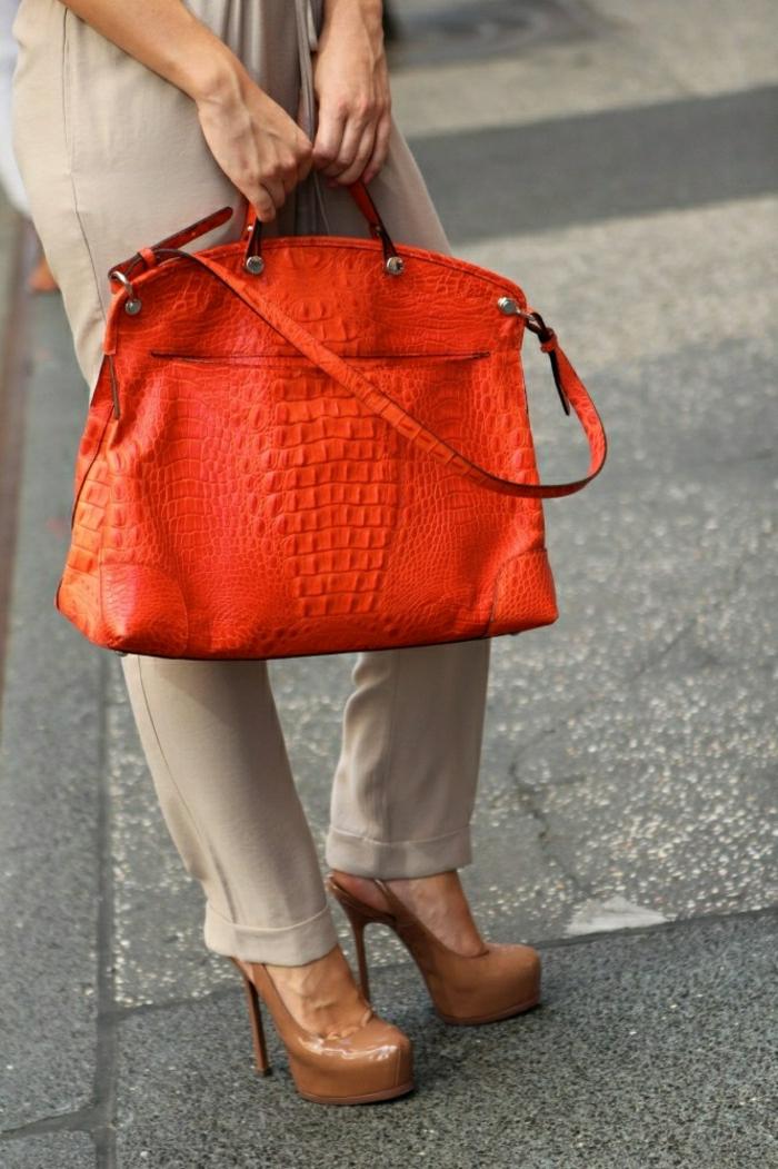 Furla-Tasche-tomatenrote-Farbe-elegant-stilvoll