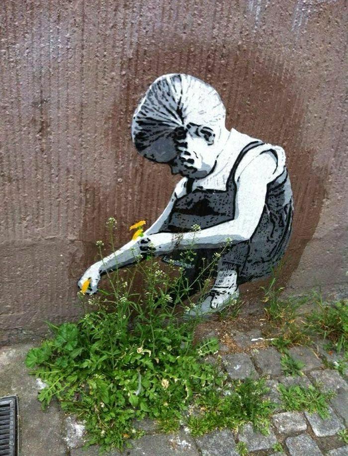 Graffiti-Bilder-Mädchen-Blumen-pflücken