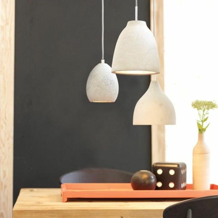 Hängeleuchten-für-Esszimmer-drei-weiß-grau