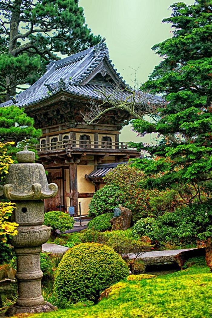 Haus-Garten-japanischer-Stil-Steinlaterne-Grün