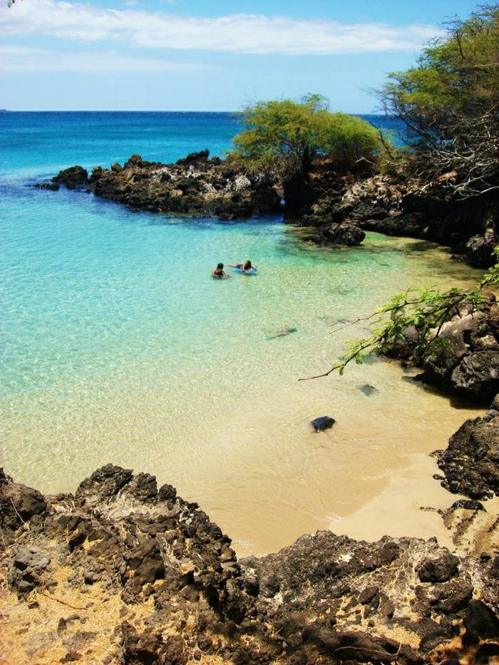 Hawaii-Inseln-exotischer-Urlaub-Kristallwasser