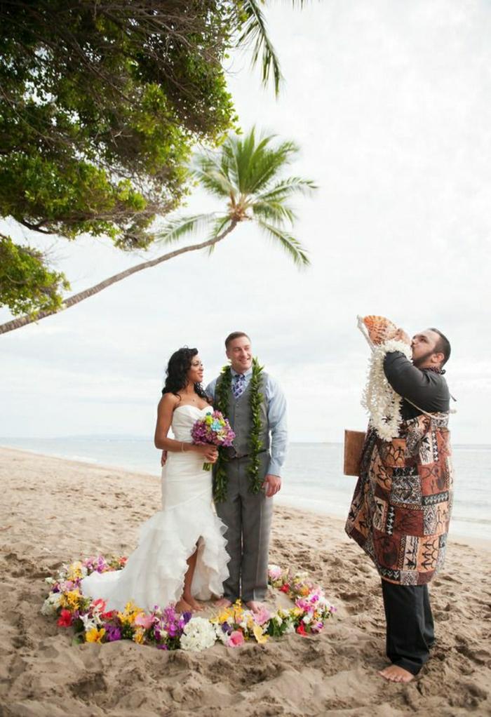 Hochzeit-Hawaii-Strand-Tradition