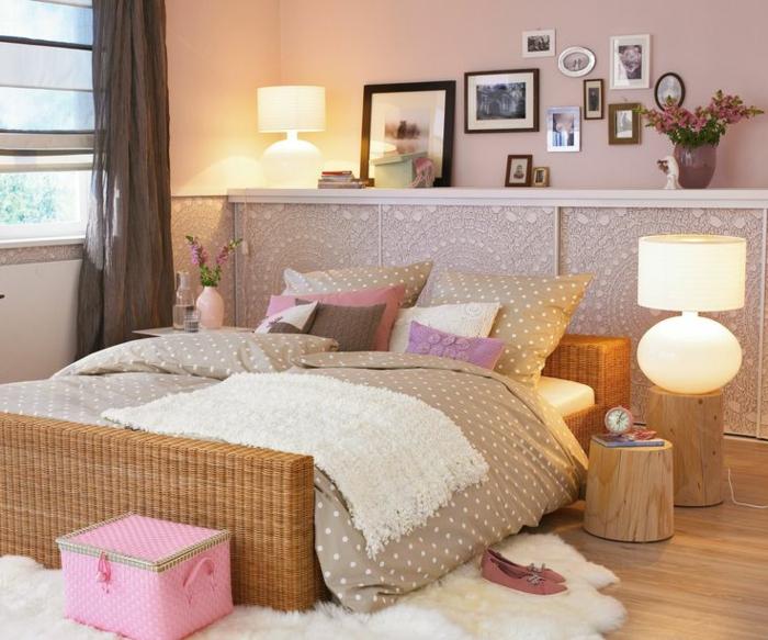Jügenzimmer-für-Mädchen-Bilder-braune-Gardine