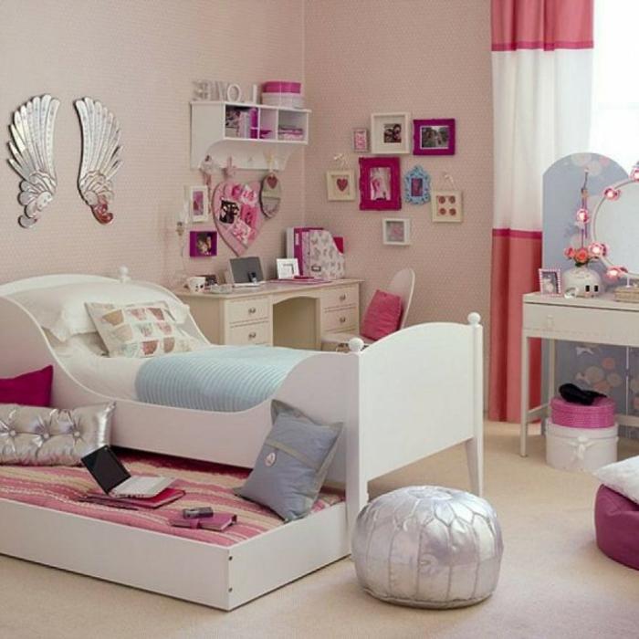 Jügenzimmer-für-Mädchen-dekowand-weiß-Bett