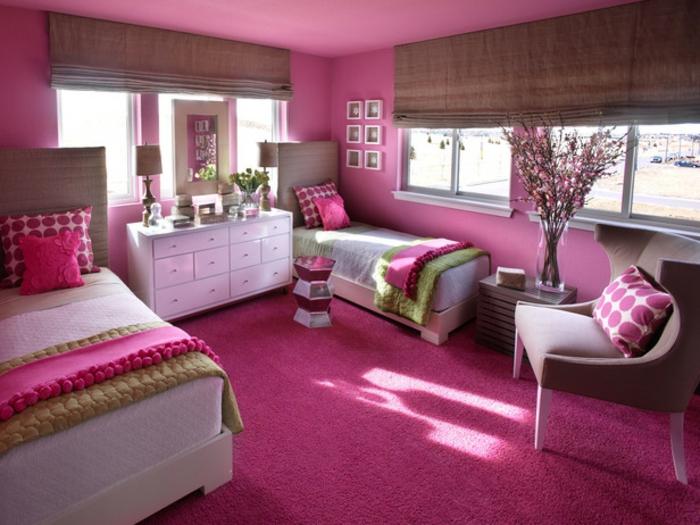 Jügenzimmer-für-Mädchen-große-Jalousien-rosa-teppich