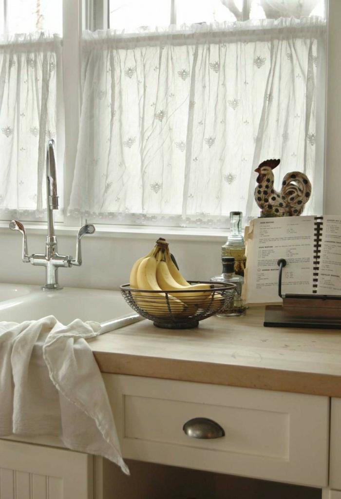Küche-Waschbecken-Handtuch-Bananen-Rezeptbuch-weiße-Gardinen
