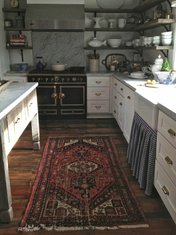 Küche-rustikale-Elemente-vintage-persischer-Teppich