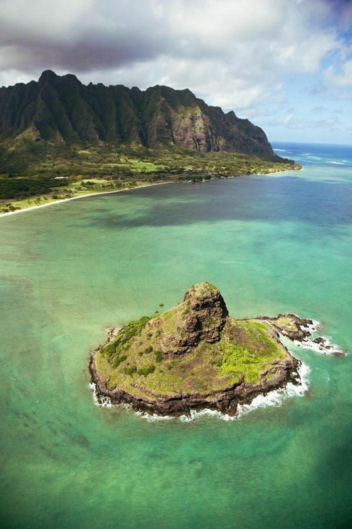 Kaneohe-Hawaii-kleine-Insel-Gebirge-misteriös-exotisch