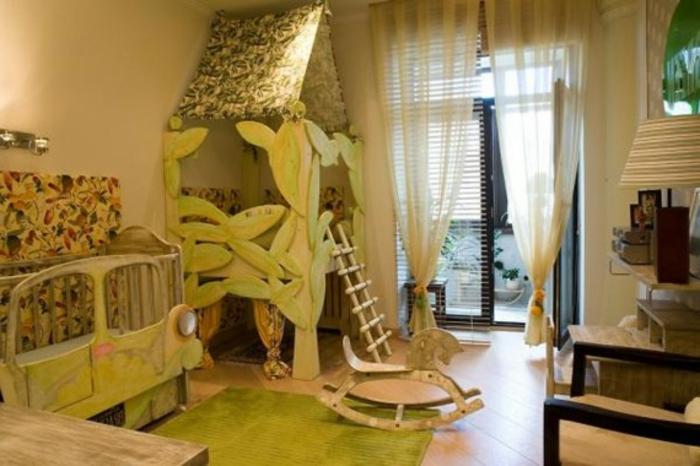 Kinderzimmer Deko Tapeten : Kinderzimmer Deko ein Baumhaus in der Ecke