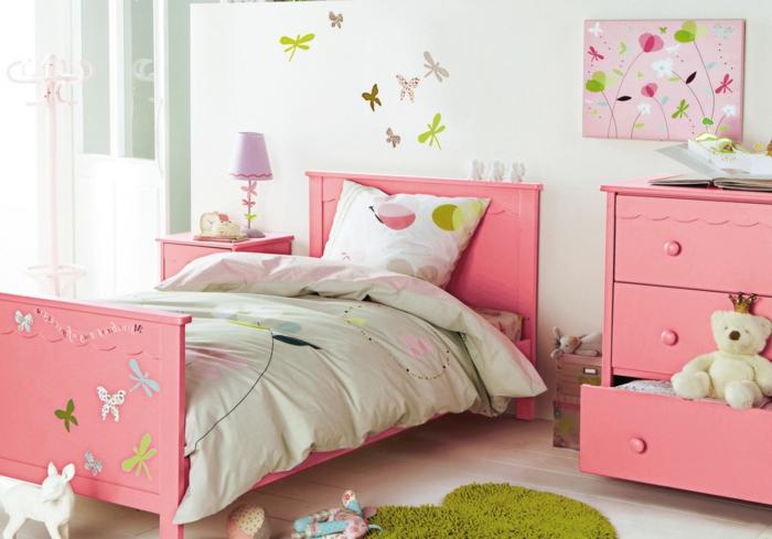 Kinderzimmer-Deko-bunte-Schmetterlinge