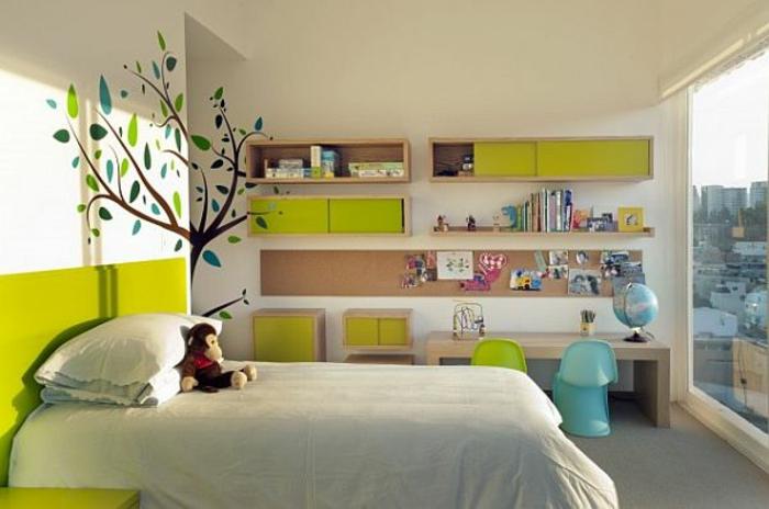 Kinderzimmer-Deko-gemaltetes-Baum-Schrankregale