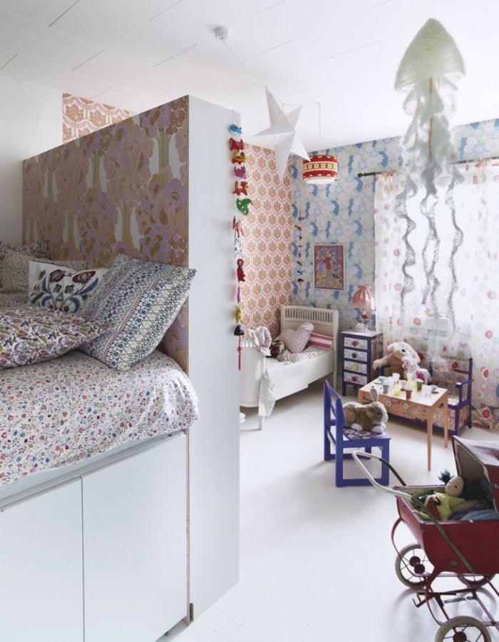Kinderzimmer-Deko-hängende-weiße-Dekore
