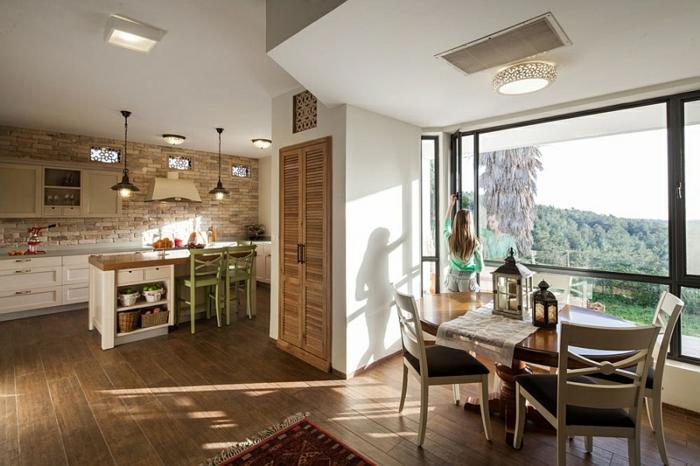 Landhaus-einrichtung-Küche-und-Essraumßpanoramisch