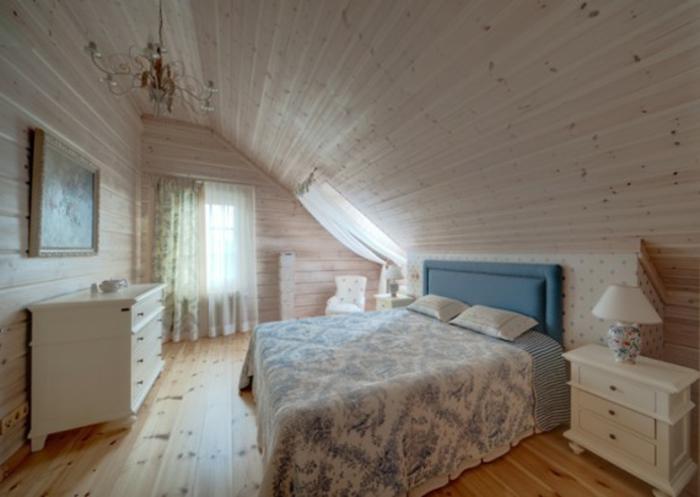 Landhaus-einrichtung-weiß-Holz-Schlafzimmer