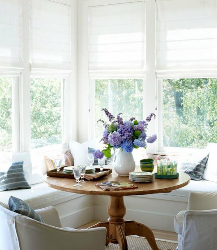 Landhaus-einruchtung-schön-weiße-Jalousien