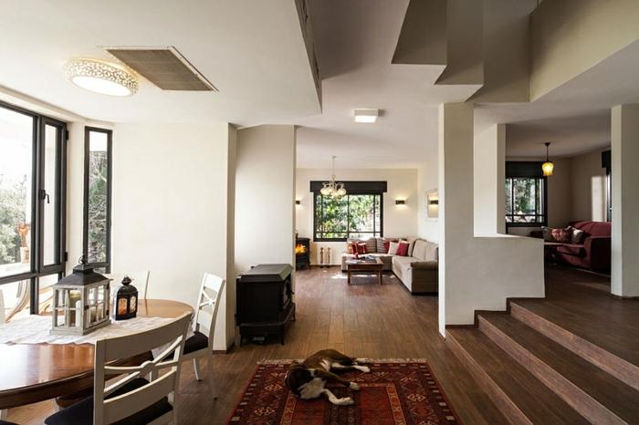 Landhaus-einruchtung-teppich-Decke-Anordnung-Möbel