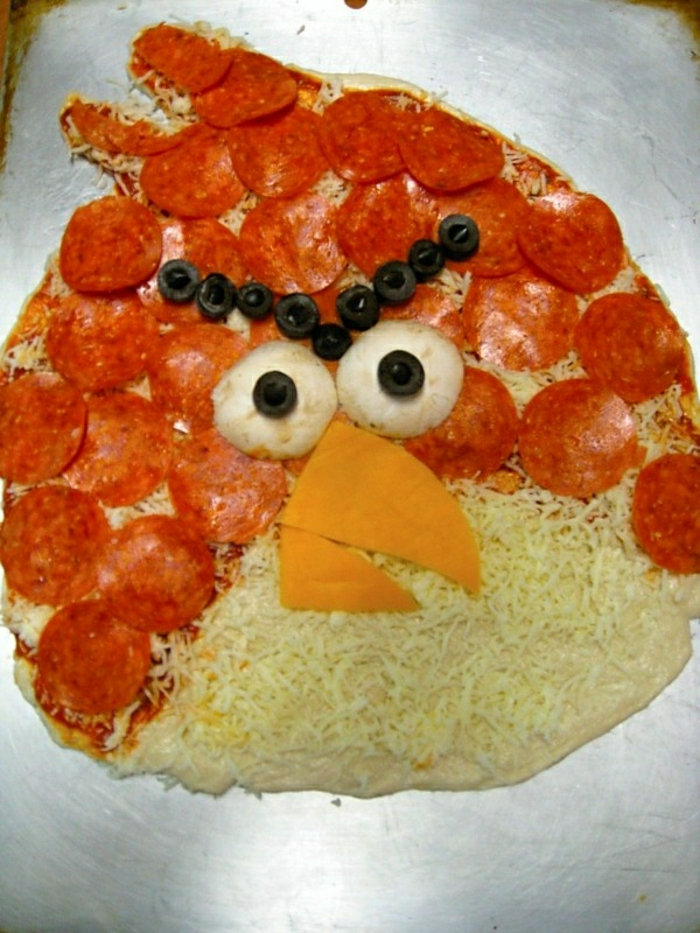 Lustiges-Kindergeburtstag-Essen-dee-Angry-Birds-Mini-Pizza