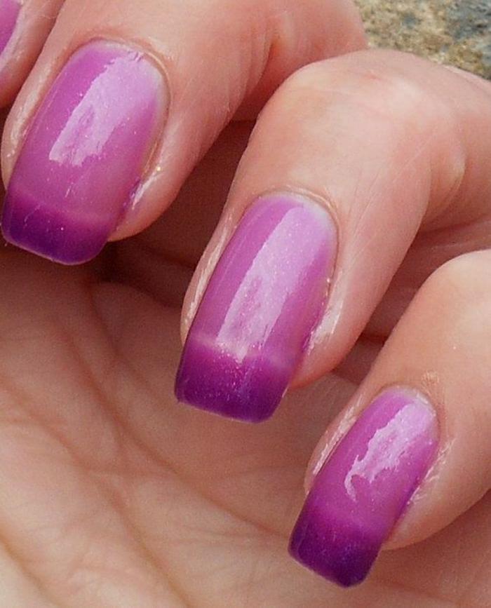 Nägel-zwei-lila-Nuancen-Ombre-Thermo-Effekt-Nagellack