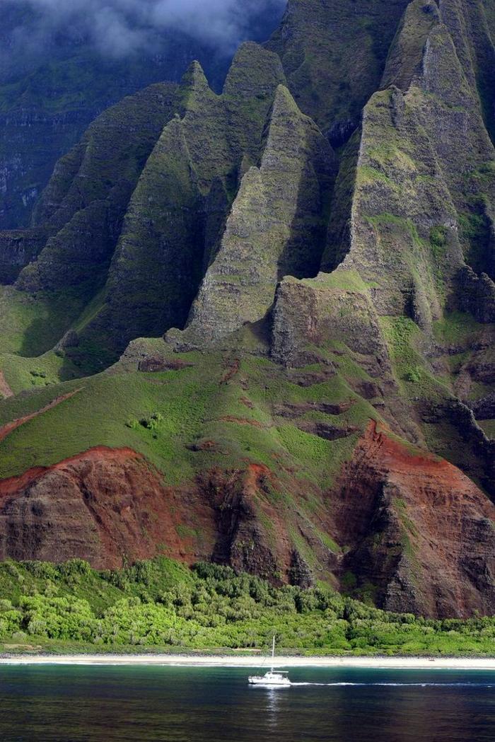 Na-Pali-Coast-Kauai-Hawaii-Gebirge-Nebel-großartig
