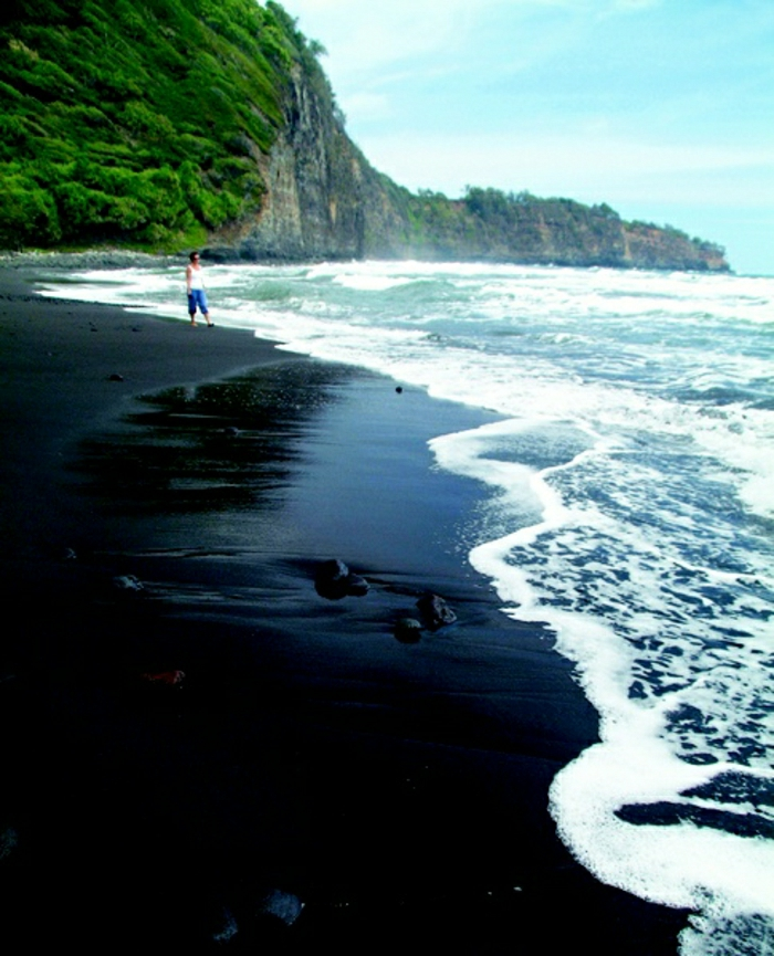 Pololu-Beach-Hawaii-schwarzer-Sand