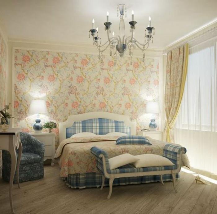 Schlafzimmer-Tapeten-floral-bunt