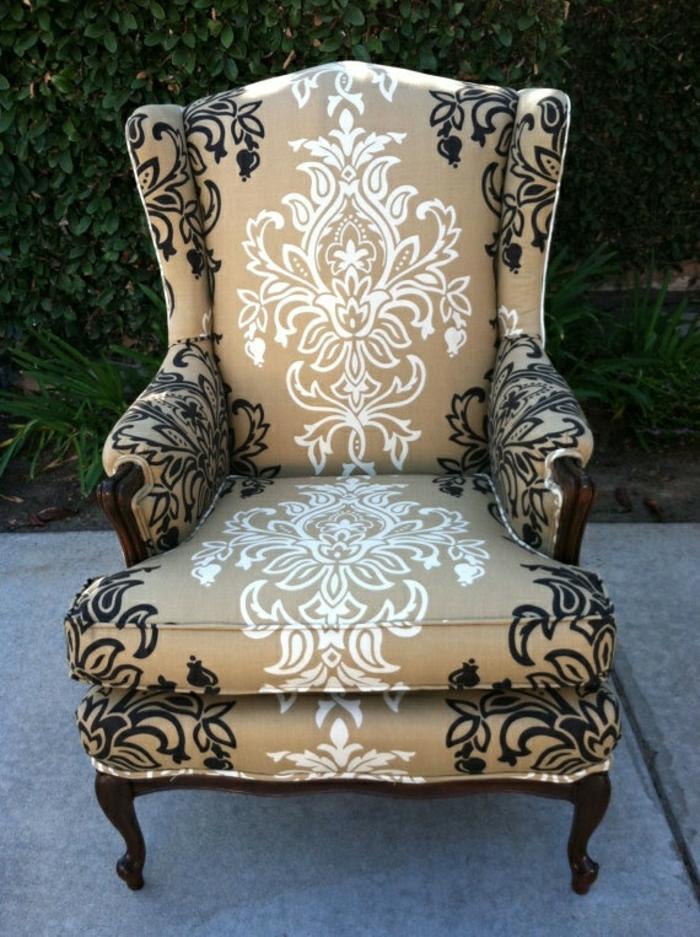Sessel-beige-Grundlage-schwarz-weiße-Dekoration-Barock-Stil-elegant-aristokratisch