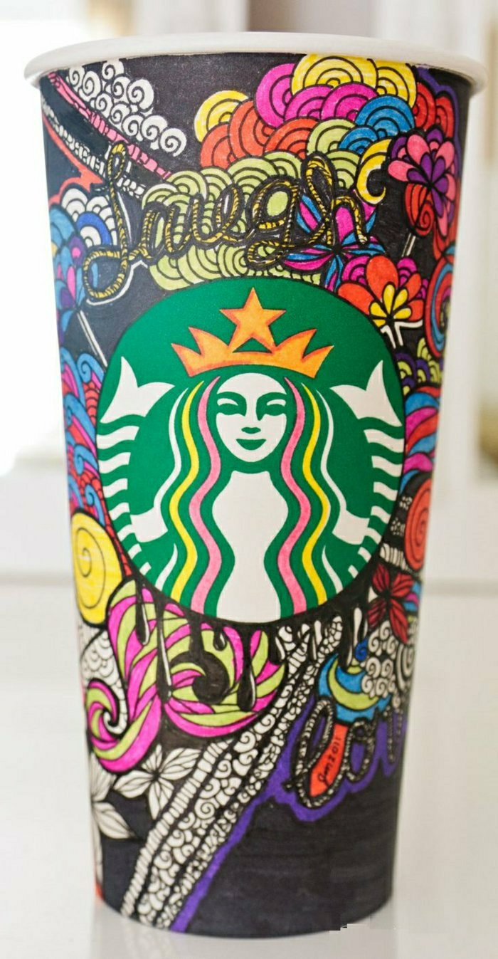 Starbucks-Papierbecher-bunte-Dekoration