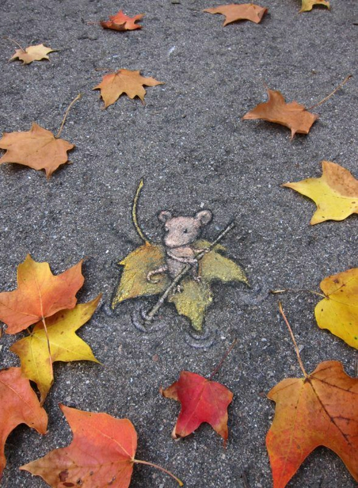 Straße-Graffiti-Herbst-Blätter-Maus-Ruder-segeln