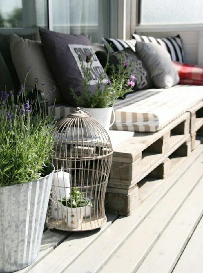 Terassenmöbel-Palleten-Sofa-Polster-Streifen-Kissen-Käfig-Topfpflanzen
