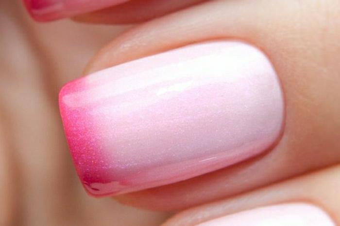 Thermo-Nagellack-rosa-Ombre-Effekt