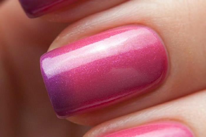 Thermo-Nagellack-rosa-lila-Glanz-Ombre