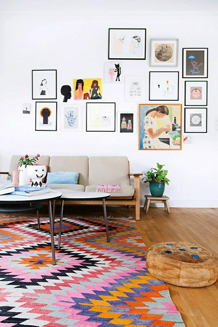 Wohnzimmer-vintage-Möbel-Bilder-Teppich