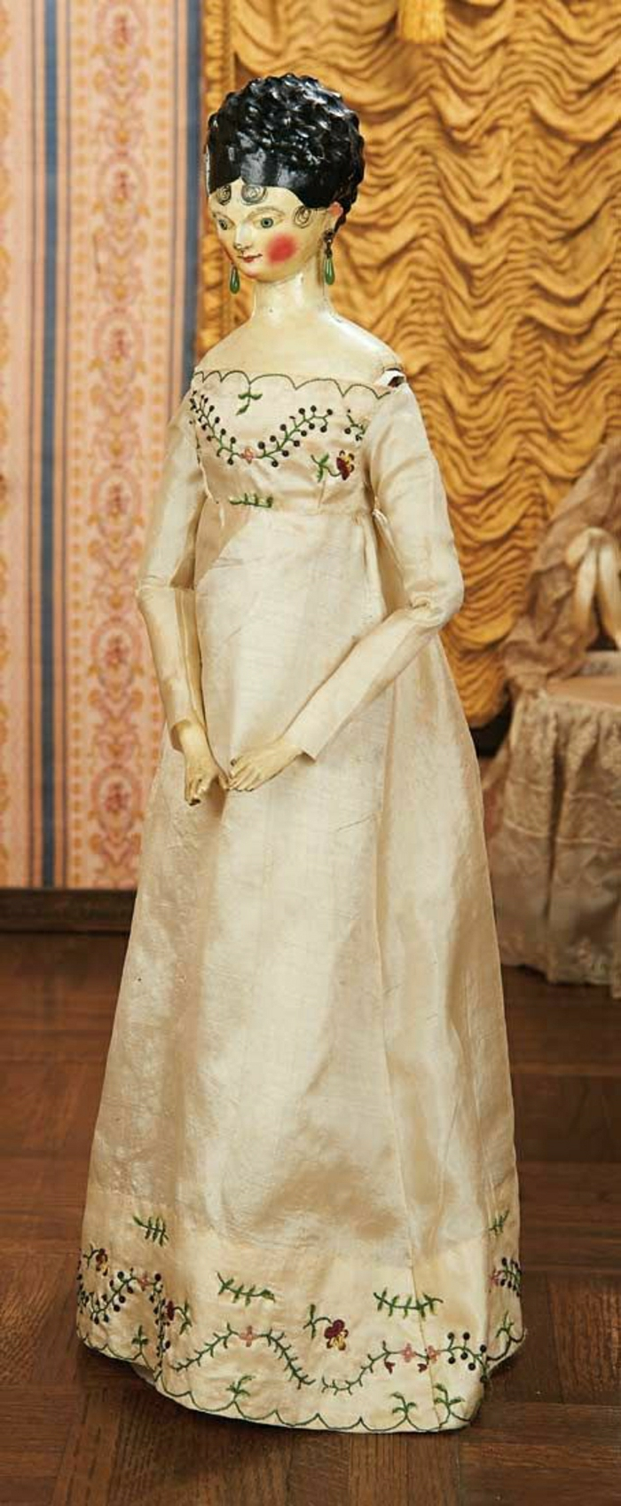 alte-Puppen-gegen-1800-Damen-langes-Kleid-Seide