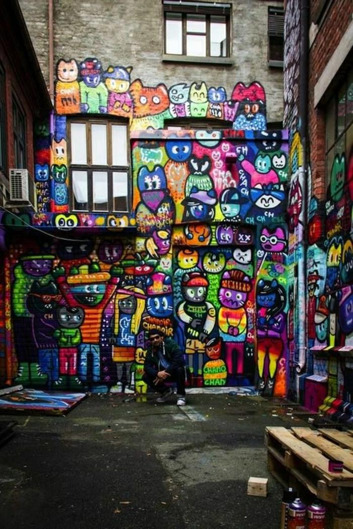 altes-Gebäude-lustige-Graffiti-Katzen