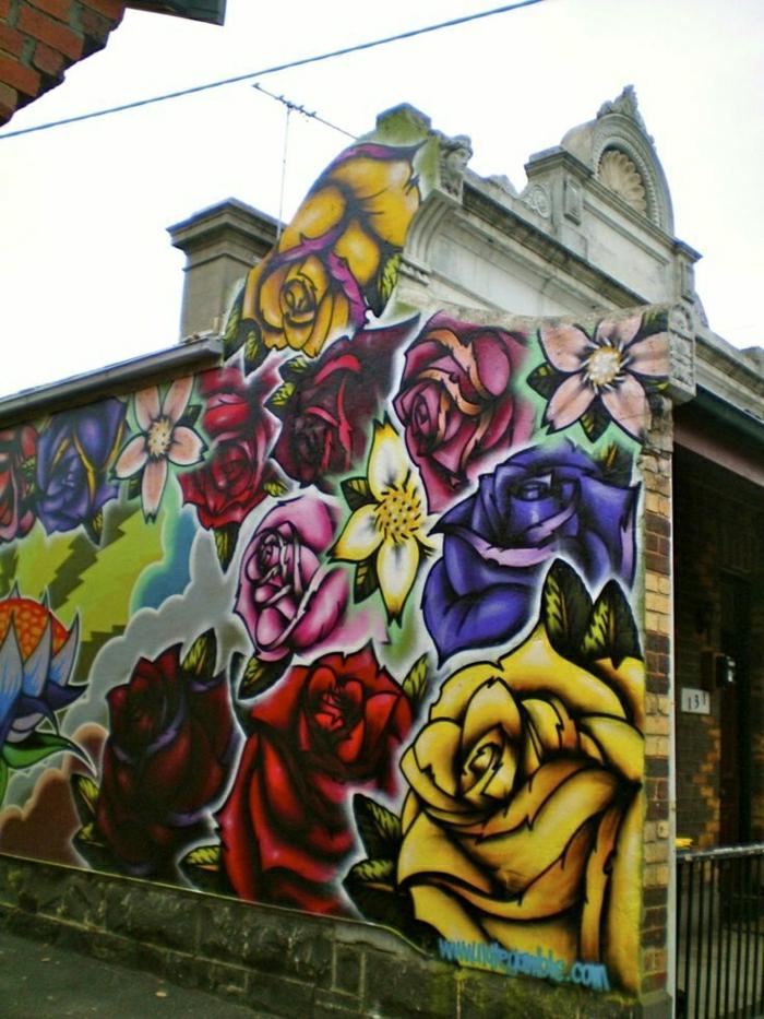 aristokratisches-Gebäude-Wand-Graffiti-Blumen-Rosen