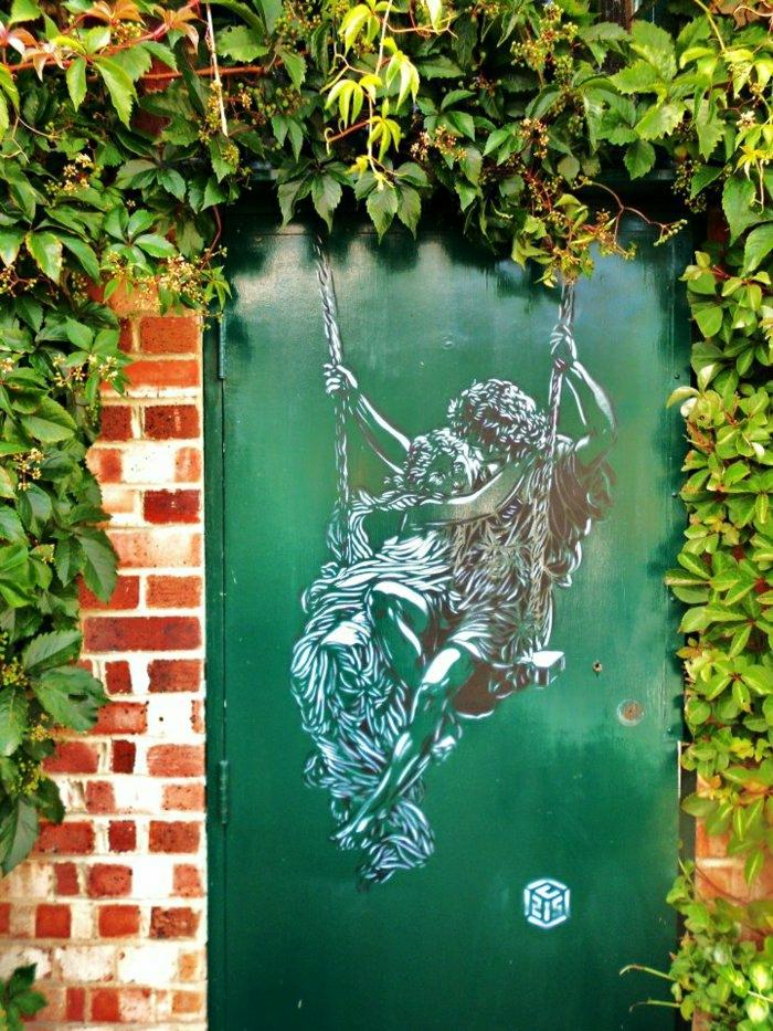art-Bild-Graffiti-Zeichnung-grüne-Tür-Verliebte-Grün-Ziegelwand