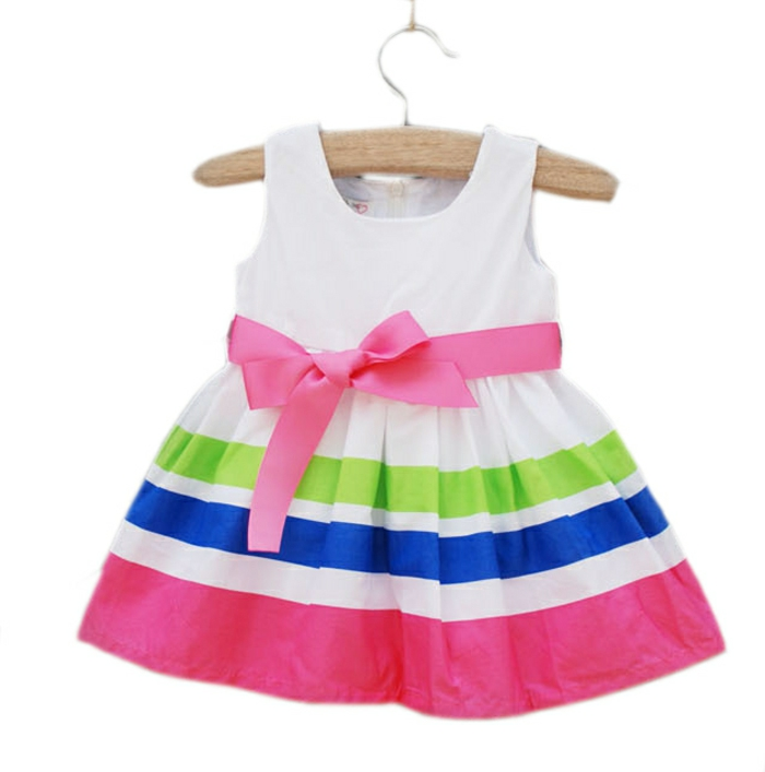 baby -kleidung-rosige-schleife