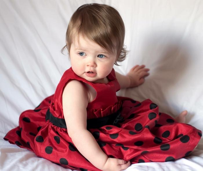 rotes kleid für kleine mädchen - super aussehen