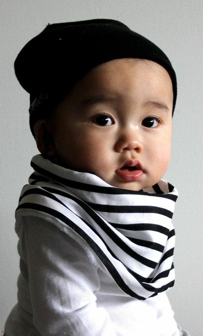 baby-kleidung-schwarzer-hut