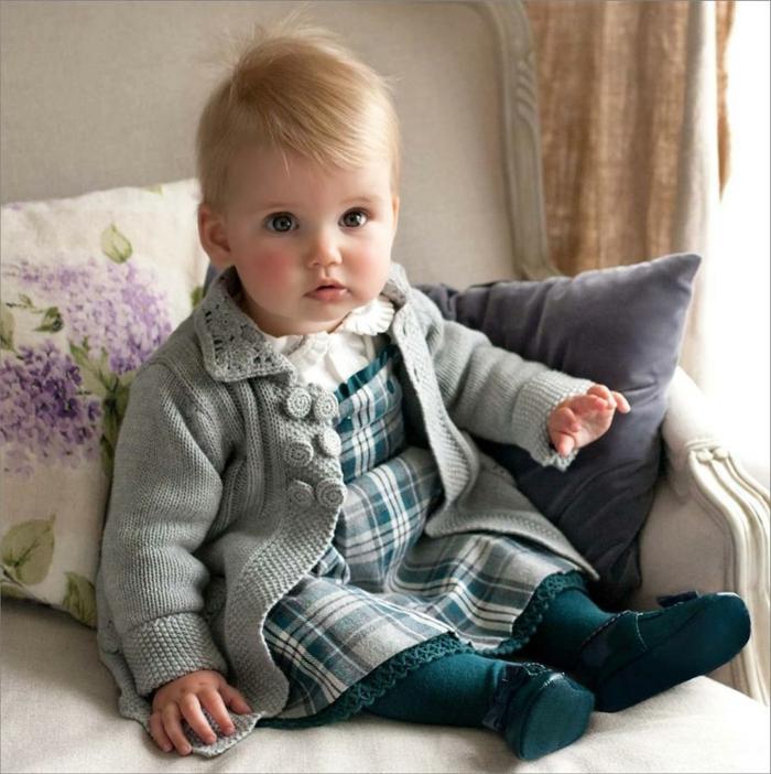 baby- kleidung-wunderschönes-kariertes-kleid