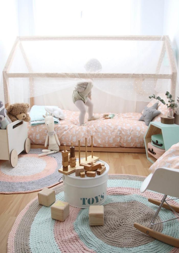 babyzimmer deko ideen, babybett häuschen, kinderzimmer für junge, zimmergestaltung in pastellfarben