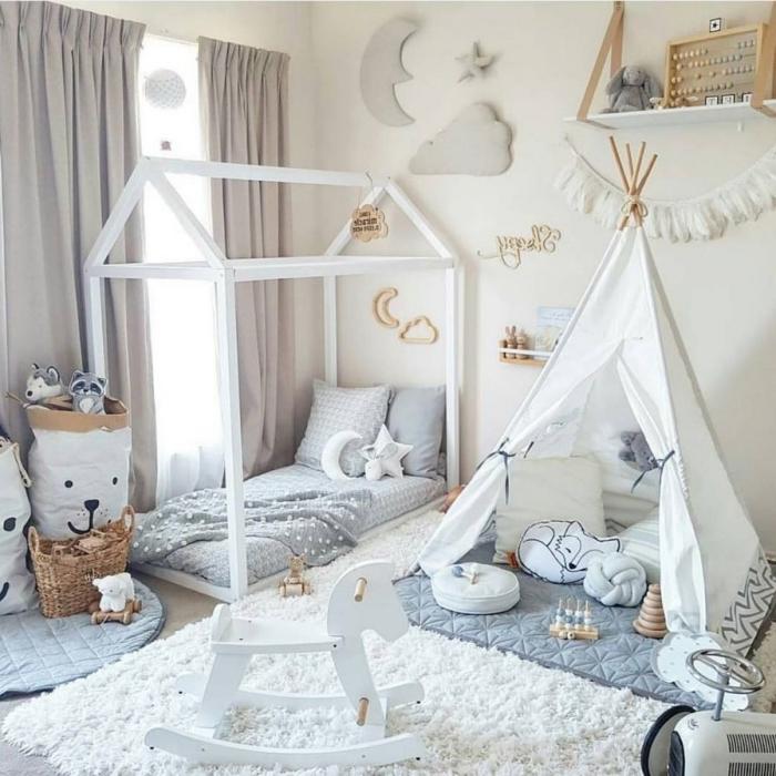 babyzimmer deko junge, bett häuschen, weißes tipi, weißer teppich, wanddekoration