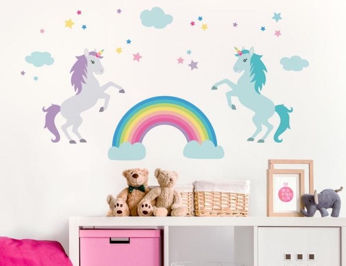 babyzimmer deko mädchen, große wanddeko, zwei einhörner und regenbogen, wandsticker