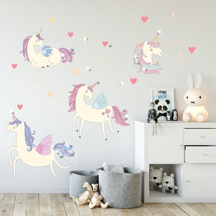 babyzimmer deko ideen, wandsticker einhöher, wand dekoration kinderzimmer, mädchenzimmer deko