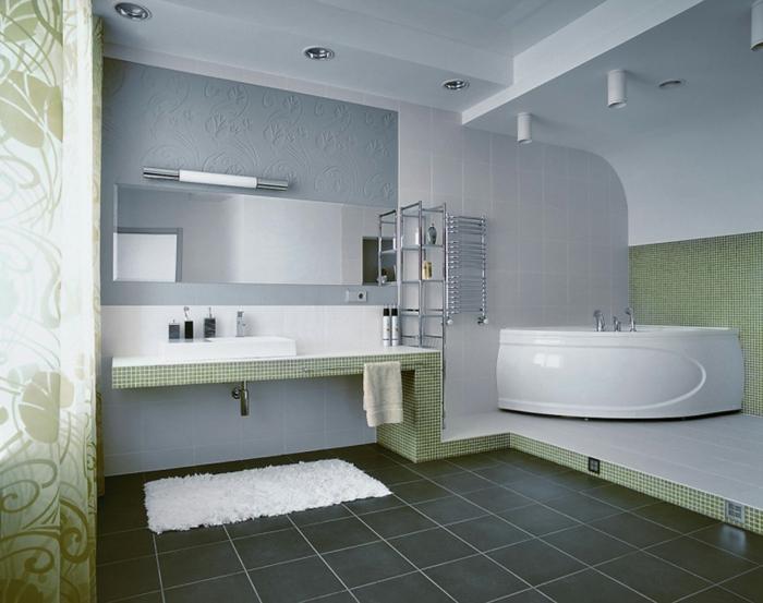 badezimmer-gestalten-kleine-grüne-Fliesen-schwarzer-Boden
