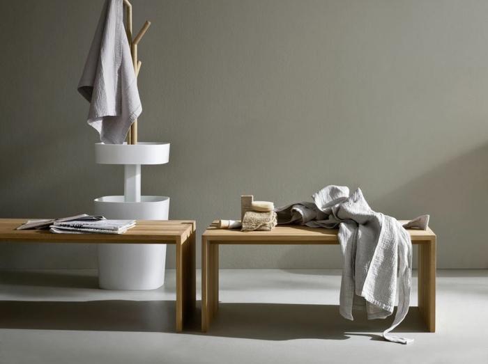 badezimmer-hocker-graue-wand-dahinter