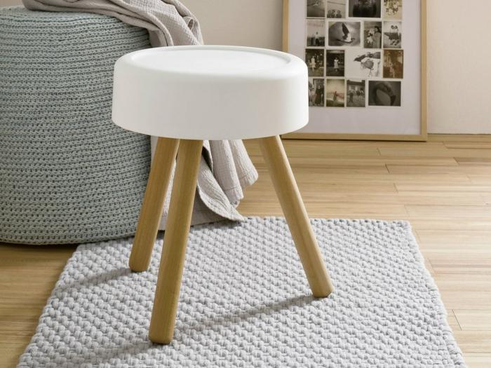 badezimmer-hocker-weißes-modell-drei-beine